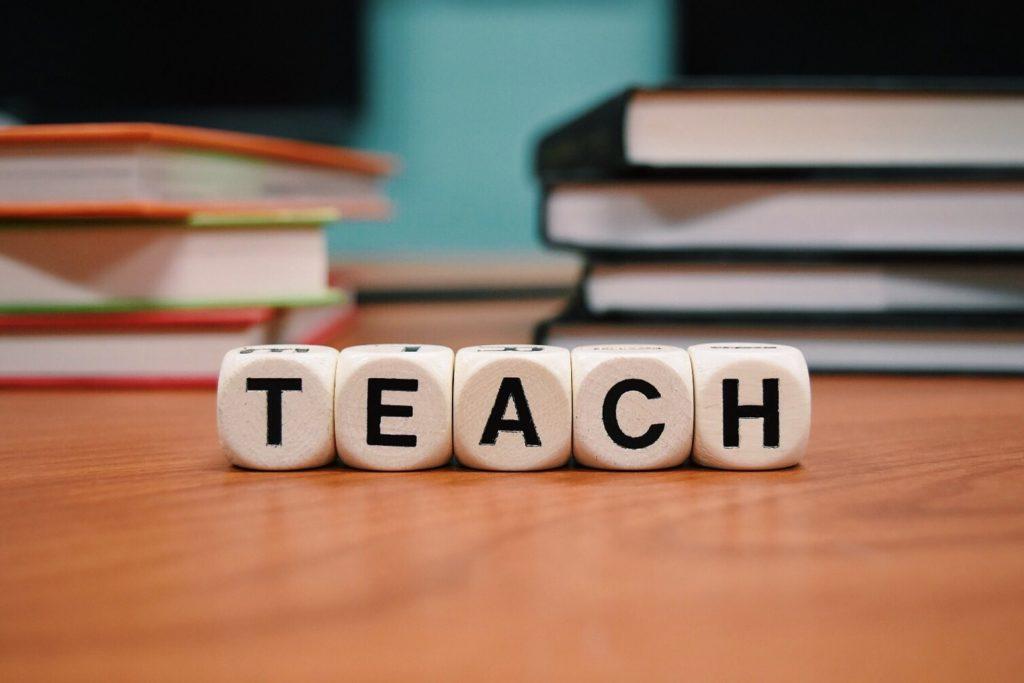 日本語教師養成講座 420時間 比較